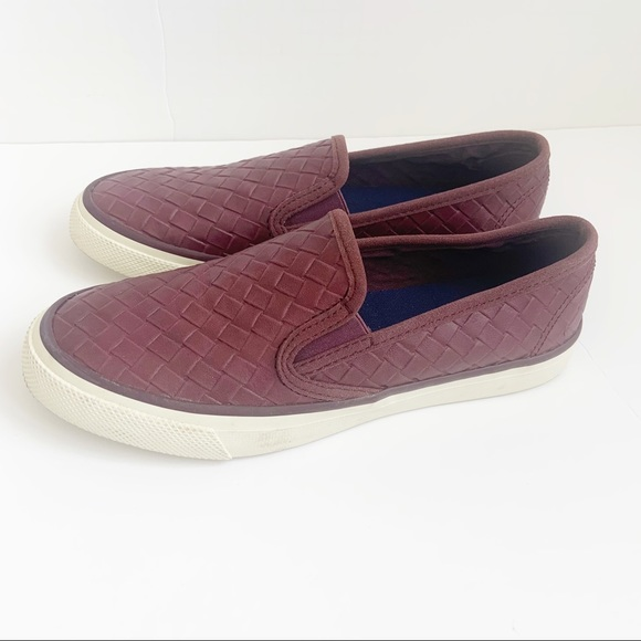 SPERRY maroon loafer sz. 6